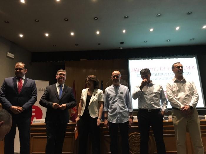 15-06-2016: El candidato del PP al Senado, Marcial Marín, participó en el debate organizado por el Colegio de Economistas de Albacete. celebrado en el salón de actos de la Diputación.