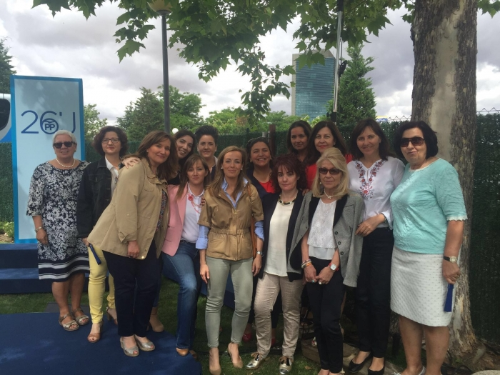 17-06-2016: El PP de Albacete, en el mitin de Rajoy y Cospedal en Guadalajara por la igualdad entre hombres y mujeres..