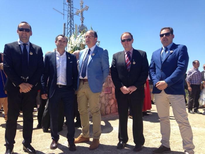 05-05-2016: Los diputados provinciales Fermín Gómez y José Carlos Batalla, junto con el alcalde de Jorquera, Jesús Jiménez, acompañaron a los concejales del PP de Pozo Lorente, en la celebración de las fiestas.