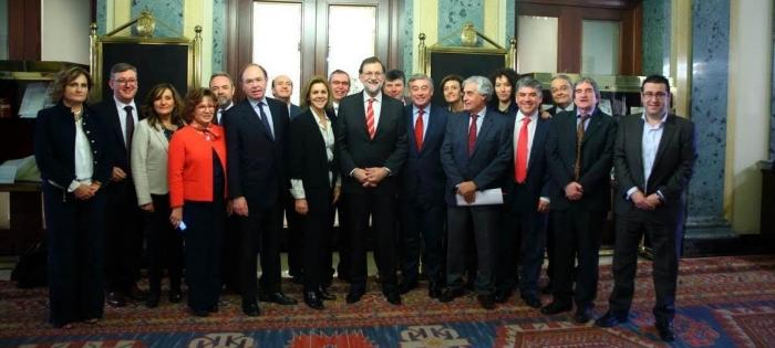 11-02-2016: Los senadores del PP-CLM, junto a Rajoy y María Dolores Cospedal.
