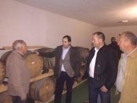 17-12-2015: En Albatana, el presidente del PP, Paco Núñez, visita la fábrica de embutidos y Bodegas San Isidro.