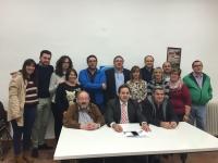 29-10-2015: El senador Dimas Cuevas alertó sobre la importancia de las próximas elecciones generales del 20-D en su intervención junto a al alcalde de Almansa, Paco Núñez, y miembros de la junta local.