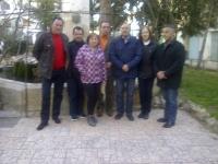 26-02-2014: Los diputados provinciales Manuel Mínguez y Juan Gómez en Alpera, tras la reunión mantenida con los miembros del PP en la localidad.