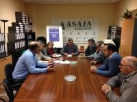 10-12-2015: Carmen Navarro trasladó el apoyo del PP al medio rural y la agricultura, en la sede de ASAJA.
