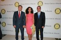 14-09-2012: Los diputados provinciales Carlota Romero, Manuel Mínguez y Pablo Escobar en la cena benéfico de los Rotarios organizada por la Asociación Miguel Fenollera.