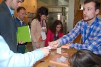 23-03-2013: Jóvenes de NNGG durante la votación en el X Congreso Provincial.