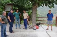 11-08-2015: El portavoz del PP en la Diputación, Antonio Serrano, visita las obras hidráulicas en Paterna del Madera, junto al alcalde y concejales 'populares'..