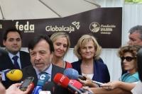 10-09-2012: En presidene del PP de Albacete, Francisco Núñez, en la caseta ferial de FEDA, junto a la consejera de Empleo, Carmen Casero, y la alcaldesa, Carmen Bayod.