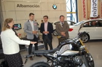 """17-04-2015: El candidato del Partido Popular a la Alcaldía de Albacete, Javier Cuenca, ha visitado XV edición de la Feria del Automóvil nuevo y de ocasión """"Ferimotor 2015""""."""