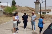 09-08-2015: Antonio Serrano visitó las obras de creación de un espacio temático para el entorno del Castillo de Alcaraz, acompañado por los portavoces del PP en la comarca.