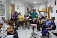 17-08-2015: El portavoz del PP en la Diputación, Antonio Serrano, visitó la Rondalla de Bogarra en el transcurso de su visita a este municipio, junto al alcalde Angel Valentín Sánchez.