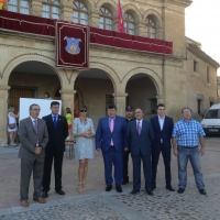 28-08-2015: El subdelegado del Gobierno, Federico Pozuelo, y alcaldes del PP acompañaron al alcalde de las Peñas, Antonio Serrano, en el inicio de las fiestas.