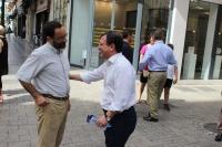 11-06-2016: Molinero, candidato al Congreso, en la mesa informativa de Albacete.