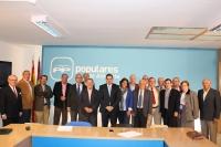 22-10-2012: Reunión del presidente Francisco Nuñez con el comité asesor del PP, en la sede provincial.