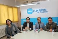 17-02-2014: Reunión en Mahora con la mirada puesta en Europa.