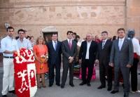 24-08-2012: El delegado de la Junta de Comunidades en Albacete, Javier Cuenca, ha acompañado a los vecinos de Pozuelo y su alcalde, Arsenio Roldán, en las fiestas patronales. Al acto asisitieron Francisco Molinero, Abelardo Gálvez y Pablo Escobar.