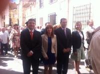 14-09-2012: El diputado provincial Abelardo Gálvez, la diputada nacional Irene Moreno y la diputada regional Inmaculada López, en la procesión que abre la fiestas de Elche de la Sierra, junto al alcalde, Asensio Moreno.