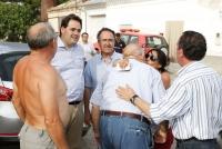 24-07-2012: Con los vecinos afectados por el incendio de Hellín.