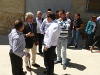 29-04-2015: Paco Núñez y Leandro Esteban, con los candidatos del partido judicial de Hellín.