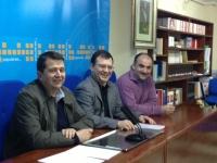 25-02-2013: El diputado nacional Francisco Molinero se ha reunido con el PP de Villarrobledo para informar sobre las medidas que el Gobierno está llevando a cabo. A la reunión asistieron el alcalde, Valentín Bueno, y el presidente del PP, Antonio Rojas.