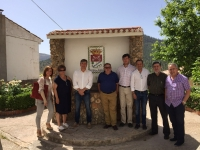 24-06-2016: Cargos públicos del PP hacen campaña electoral en Paterna del Madera.