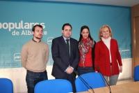 05-03-2013: Francisco Núñez, Carmen Bayod, Luis Alberto Roldán y María Delicado en la presentación de la candidatura de esta última a la presidencia de Nuevas Generaciones de Albacete.