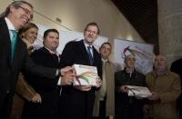 26-11-2015: Histórica visita de Rajoy a La Roda, donde fue agasajado con los estupendos 'miguelitos'.