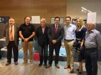 22-09-2012: El presidente del PP de Albacete, Francisco Núñez, con los industriales almanseños en el Salón de Calzado de IFEMA, del 22 al 24 de septiembre.