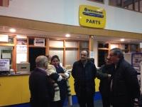30-11-2015: El cabeza de lista al Senado, Vicente Aroca, visita empresas de Villarrobledo, junto a Valentín Bueno y Cesárea Arnedo.