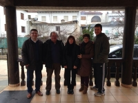 17-02-2014: La diputada nacional Irene Moreno y los diputados provinciales Carmen Álvarez y Abelardo Gálvez en Villaverde de Guadalimar, donde se han reunido con el alcalde y los concejales del PP.