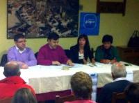 25-02-2014: La diputada nacional Irene Moreno y los diputados provinciales Abelardo Gálvez y Carmen Álvarez en la reunión que han mantenido con el PP de Yeste de cara a los comicios europeos del 25 de mayo.