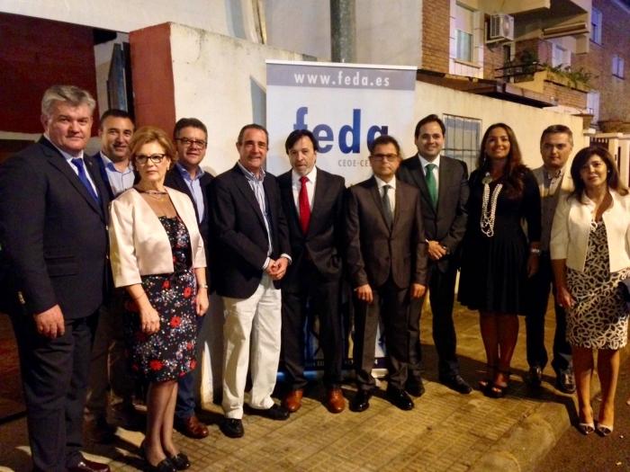 Paco Núñez acompaña al Grupo Municipal del PP en la cena de FEDA, con motivo de la Feria de Hellín.