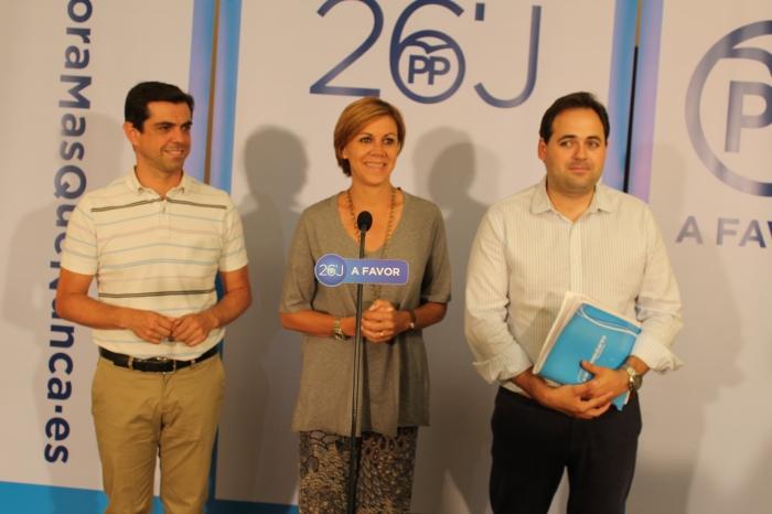 Cospedal, junto a Javier Cuenca y Francisco Núñez, en la rueda de prensa previa a la junta directiva provincial.