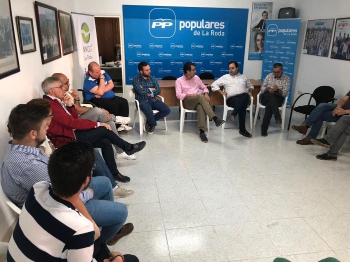Paco Núñez, en la Junta Local del PP de La Roda.