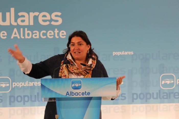 La diputada regional Cesárea Arnedo, en la sede provincial del PP.