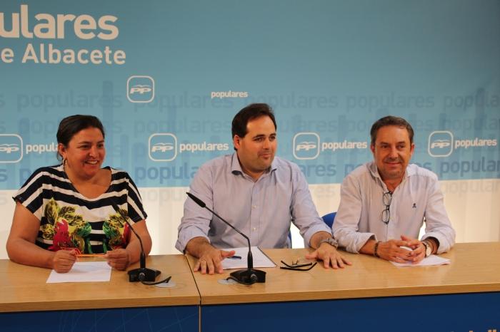 Rueda de prensa de Cesárea Arnedo, Francisco Núñez y Antonio Martínez.