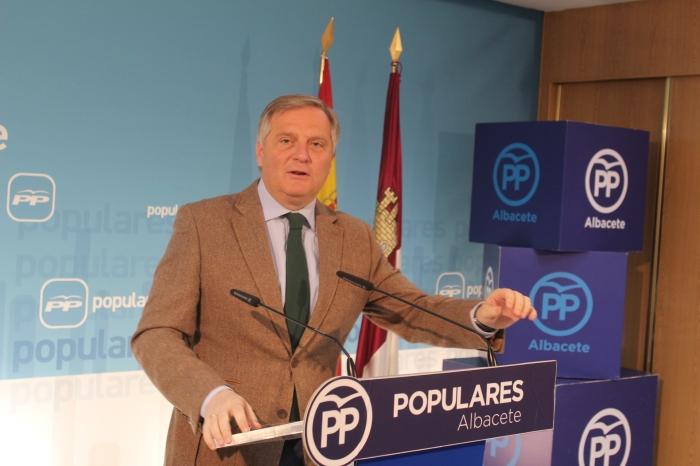 El portavoz del Grupo Parlamentario Popular, Francisco Cañizares, en la sede del PP de Albacete.