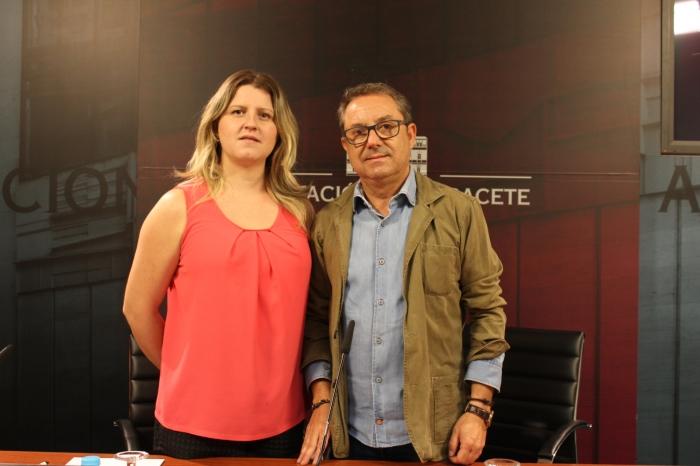Lourdes López y Antonio Martínez, en rueda de prensa.