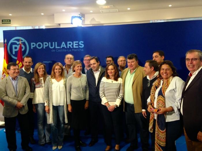 Parlamentarios del PP de Albacete, con María Dolores Cospedal.