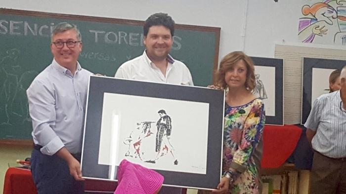 Marcial Marín y la alcaldesa María Dolores Murcia, en la inauguración de la exposición pictórica.