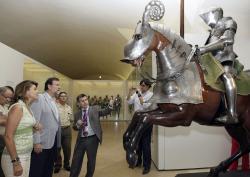 María Dolores Cospedal y Mariano Rajoy, durante su visita al Museo del Ejército, en Toledo.