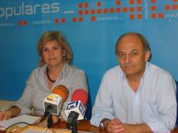 Julia García y Alonso Pérez.