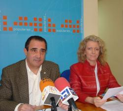 Manuel Mínguez y Encarna Naharro.