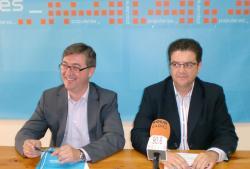 Marcial Marín y Juan A. Moreno, en la sede del PP de Hellín.