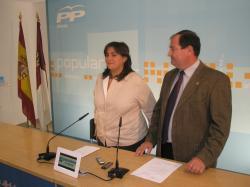 Cesárea Arnedo y Antonio González.