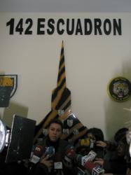 Cospedal, en la Base Aérea de los Llanos.