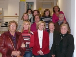 Carmen Bayod, acompañada de la concejala Maravillas Falcón, visitó la Asociación de Mujeres del barrio Pedro Lamata con motivo de la festividad del Día Internacional de la Mujer
