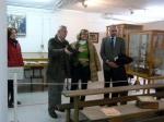 Carmen Bayod en las istalaciones del museo del niño, con Francisco García y el concejal Francisco Díaz de Prado.
