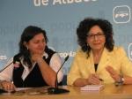 Carmen Riolobos y Cesárea Arnedo, en la sede provincial.