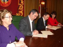 Vicente Aroca, durante la firma del convenio con FISLEM